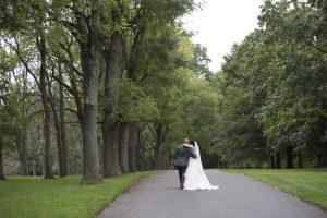 in-love-couple-wedding-photos-pennsylvania-wedding-photographer-miana-jun