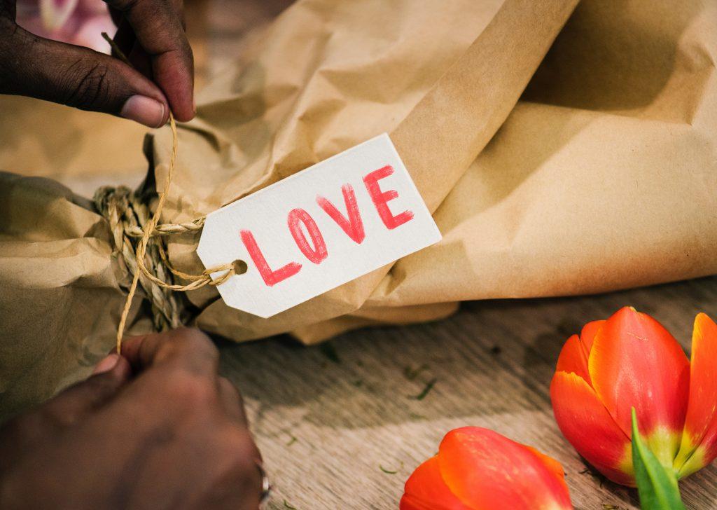 art-beautiful-bouquet-wedding-registry-gifts