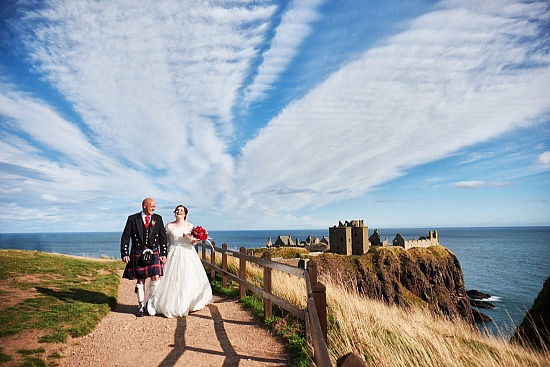 Robert and Zoe | Wedding at Dunnottar Church and Raemoir House