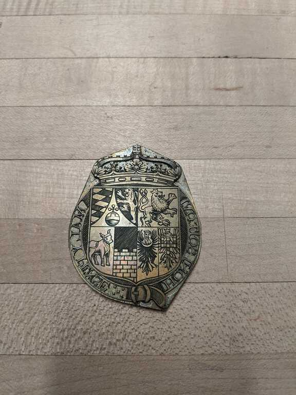 Coat of arms medallion die picture number 1