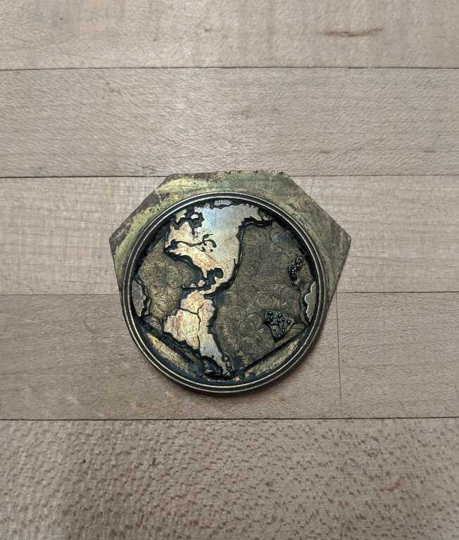 Globe medallion die picture number 1