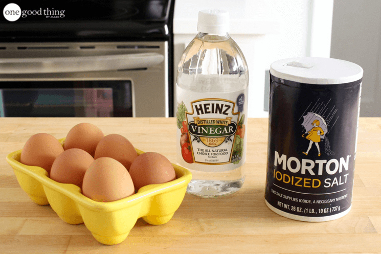 How To Poach An Egg Without Destroying It