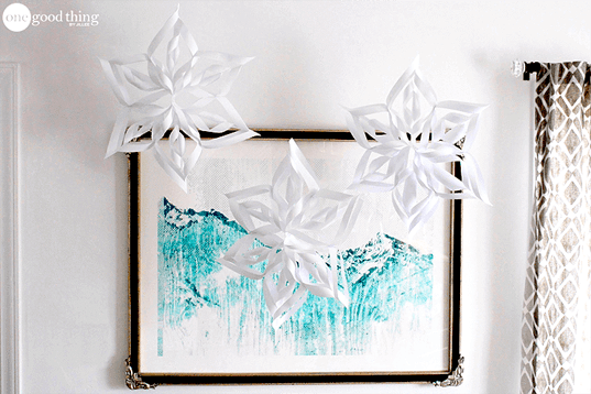 How To Make And Decorate With Paper Snowflakes