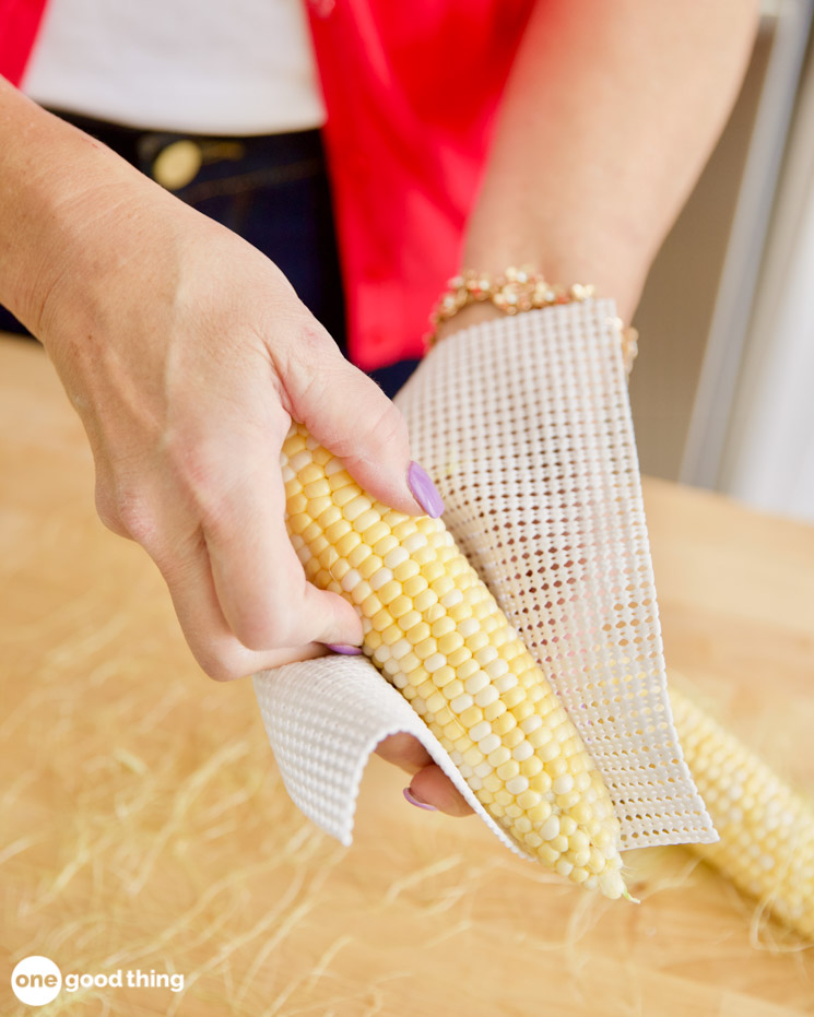 how to remove silk from corn