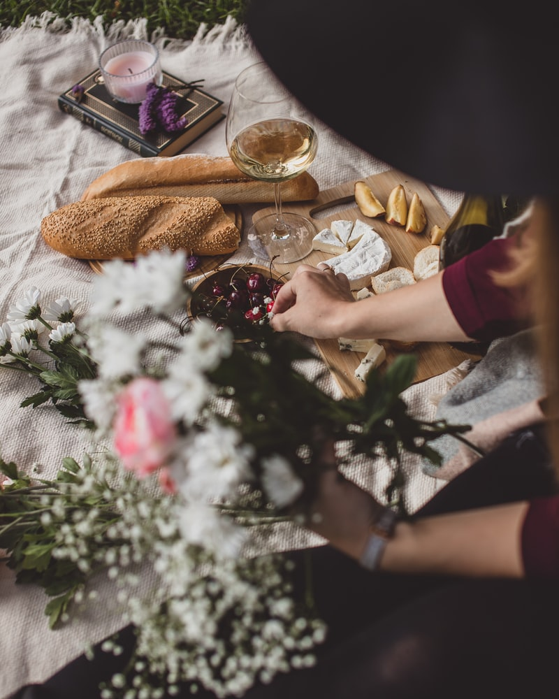 Looking for a fun yet sustainable way to spend Valentine's Day this year? Try these sustainable Valentine's Day celebration Ideas.