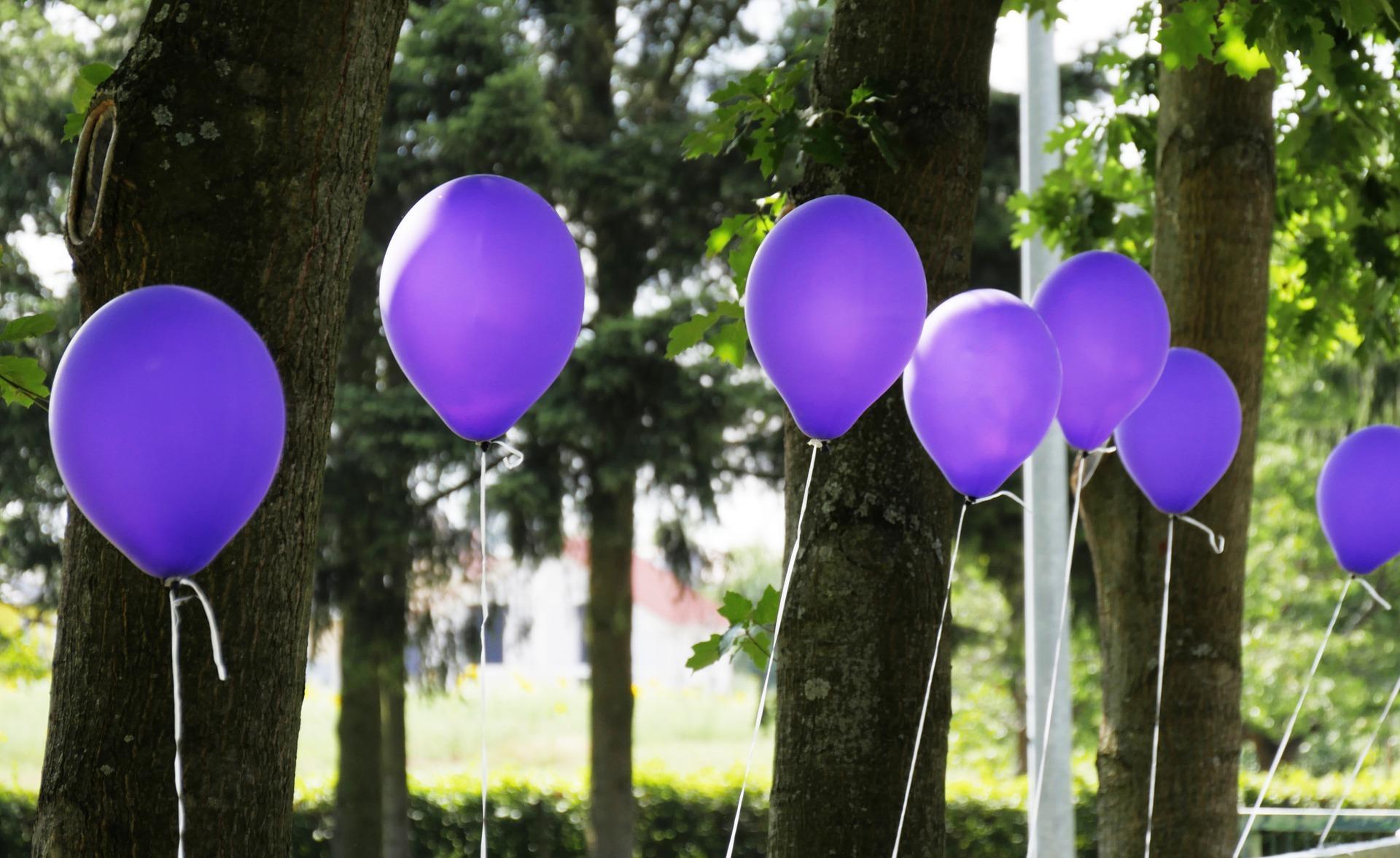 7 Purple Balloons