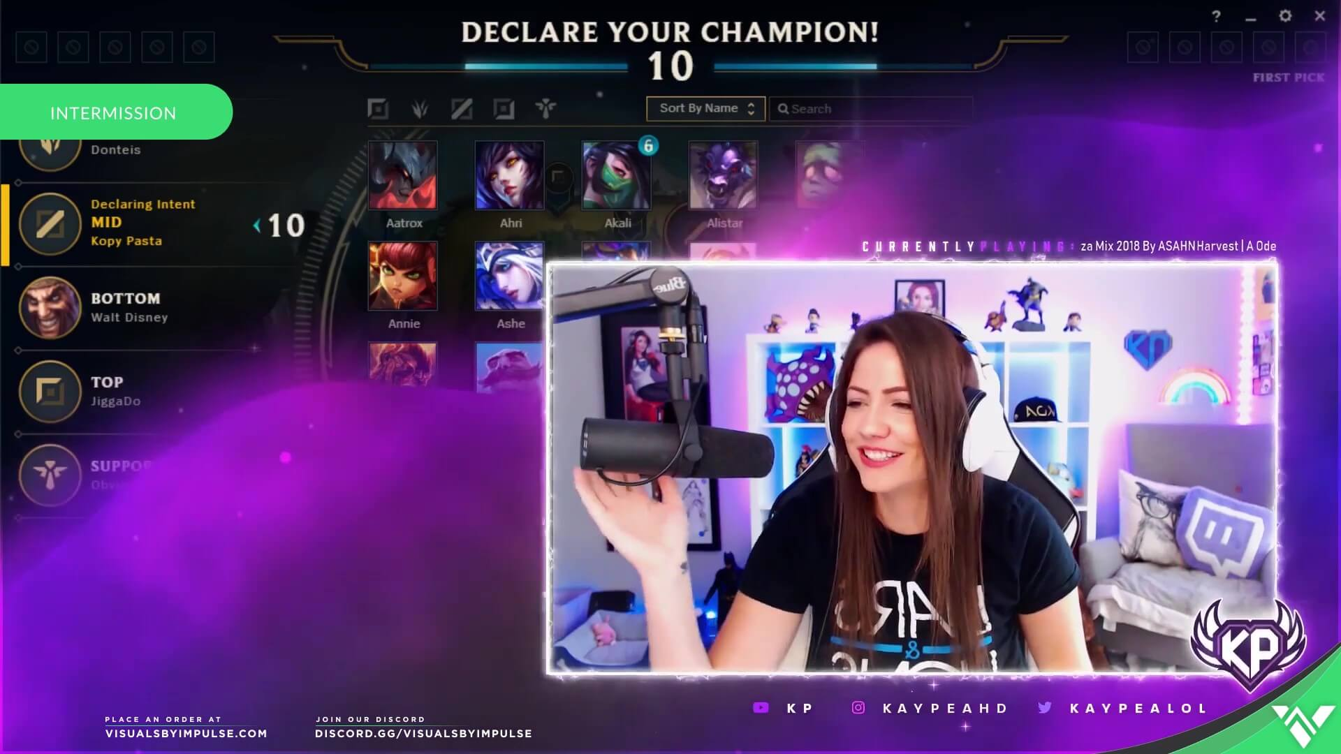 KayPealol streamer playing league of legends with broadcasting webcam