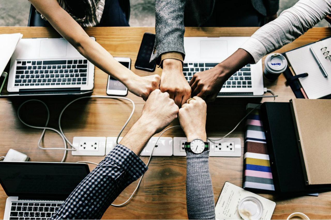 Como o time de marketing pode auxiliar o RH a melhorar a retenção de talentos