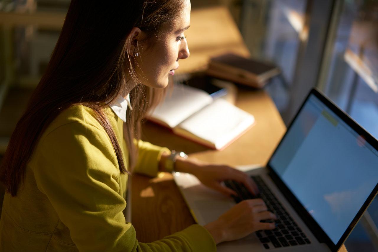 Entenda quais são as vantagens do contracheque online