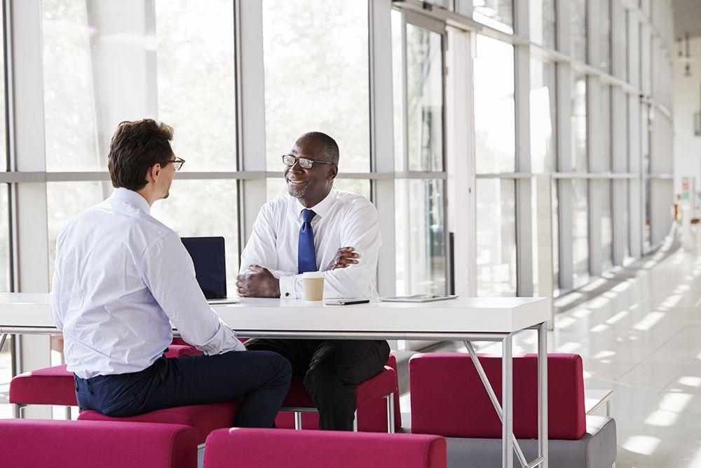 Conheça 8 vantagens do recrutamento interno