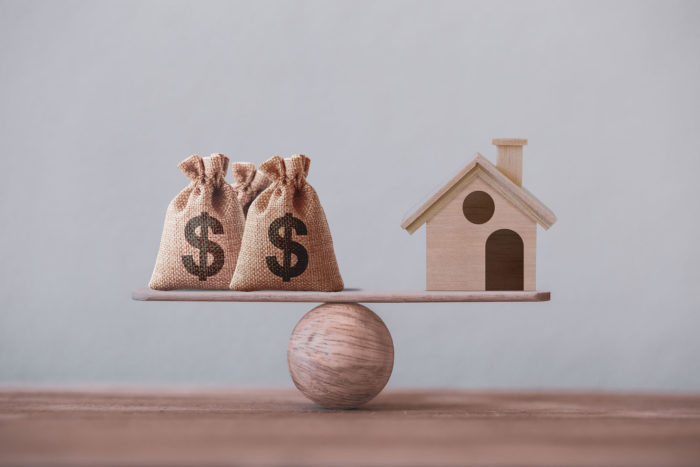 What are the Pros and Cons of Reverse Mortgages?
