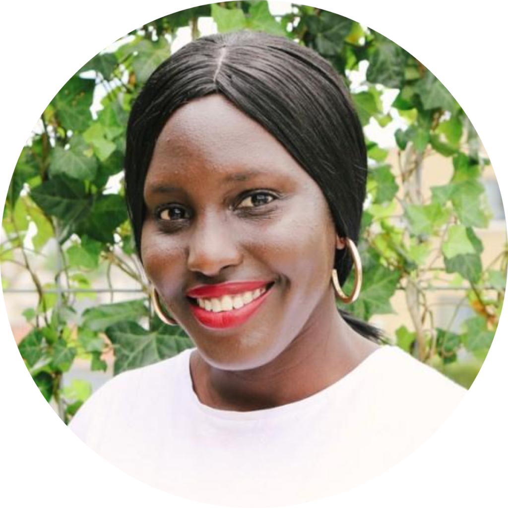 Harriet Small, Comms Lead at Growth & Grace Collective, guest on Bananatag's Morning Show - The Best Show for Internal Communicators