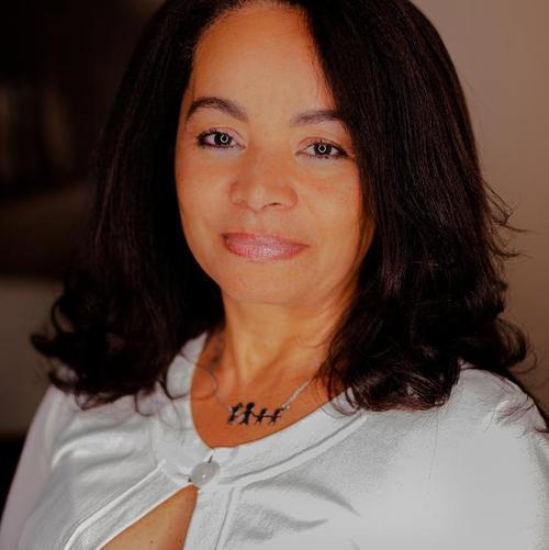 Maria Gloria G.
