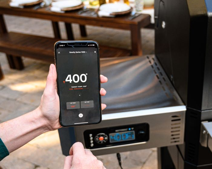 Control and monitor cook time and temperature from your smartphone