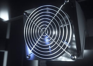 DigitalFan pushes air to the fire to maintain cooking temperature