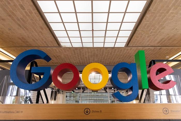 Reportan caída mundial de Google y YouTube