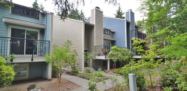 Forest Villa Condominiums - Shoreline, Washington