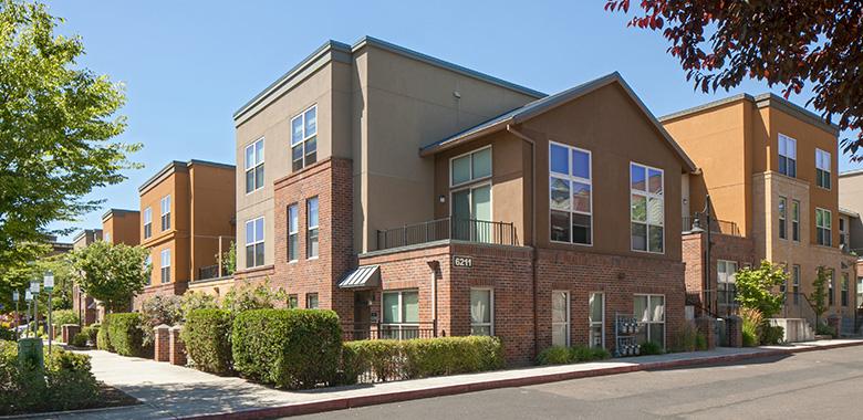 Q Condominiums - Orenco Station, Portland, Oregon