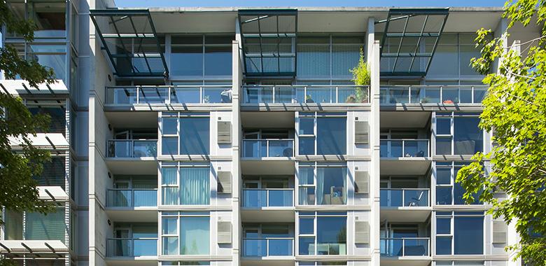 Cascadian Court Condominiums - Lloyd Center, Portland, Oregon