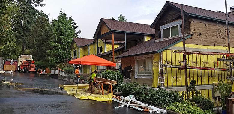 Linnwood Heights and Deerpoint Park Condominiums - West Linn, Oregon