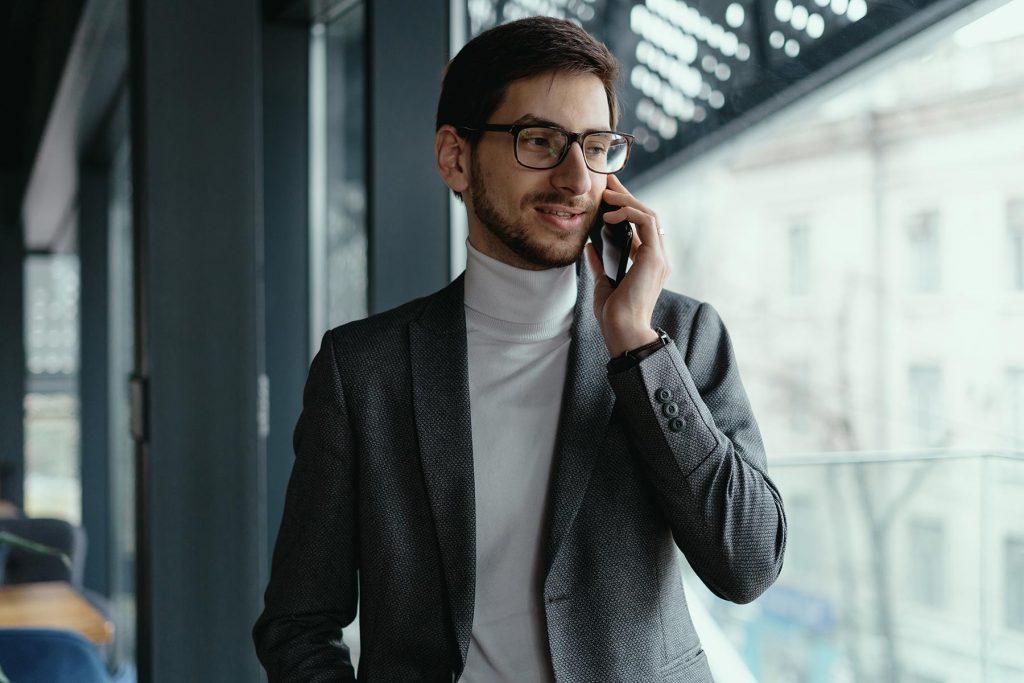 portrait-successful-business-man-talking-on-the-sm-VA9MY4X.jpg