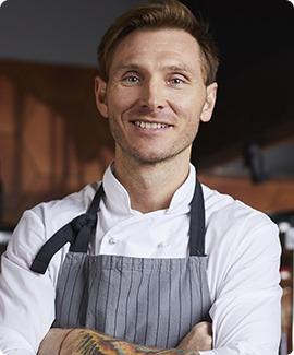 chef-posing-XLHWRMS.jpg