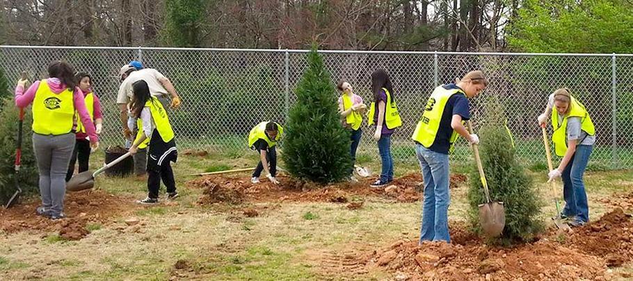 Cobb Trees Program Kids Planting