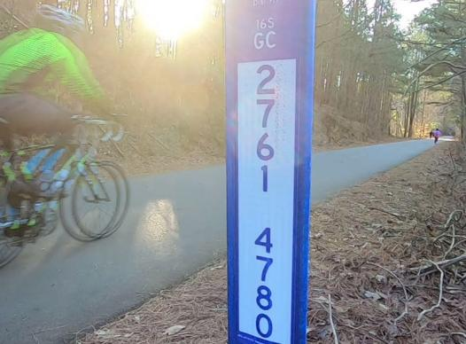 picture of trail marker on silver comet trail