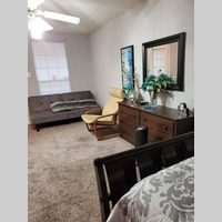 Searching for roommates in SE Houston