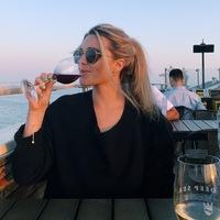 Jen wine pic sb