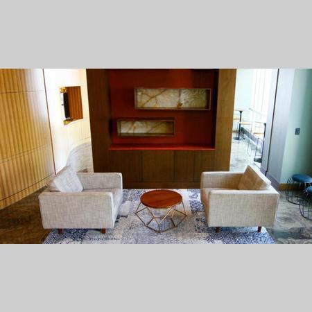 505w37 amenities lounge