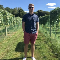 Looking for a roommate in Central Charlotte