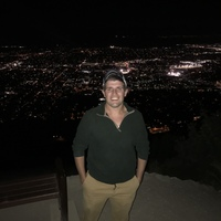 Looking for a roommate in Central, West Side, North Side