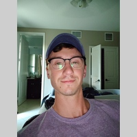 Looking for a roommate in Palm Beach County