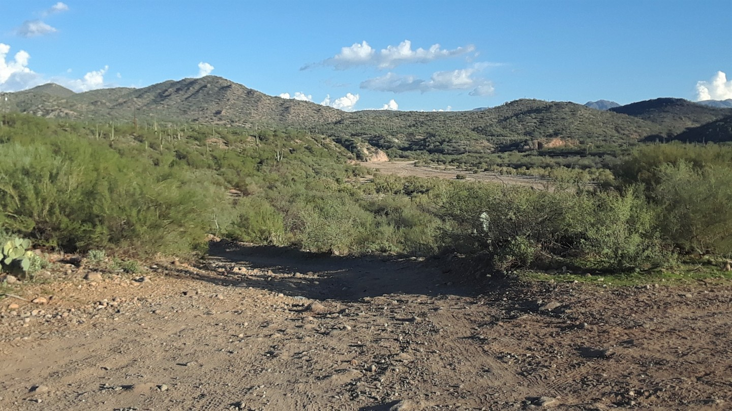 Box Canyon - Wickenburg - Waypoint 1: Trailhead Staging Area