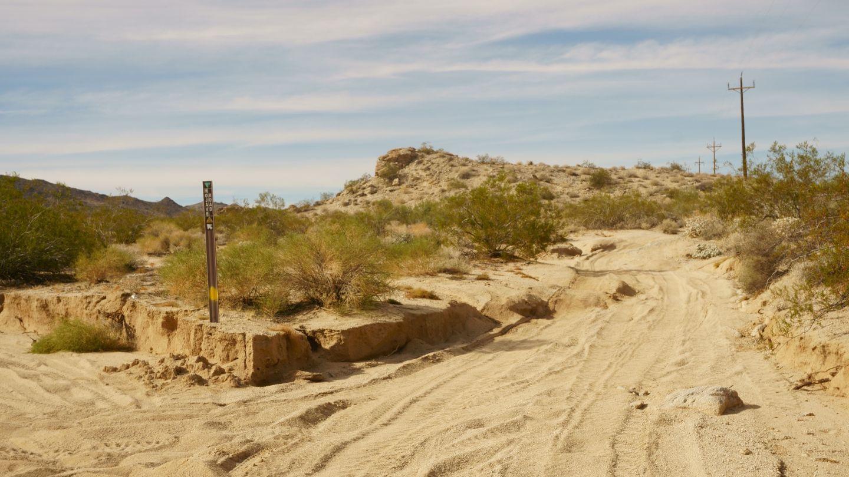 Mojave Road - Waypoint 6: Left/Southwest