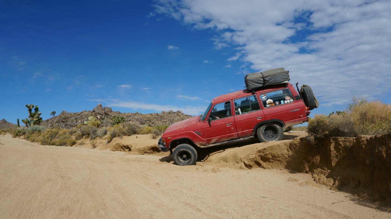 Mojave Road - Waypoint 38: Drop Into Wash
