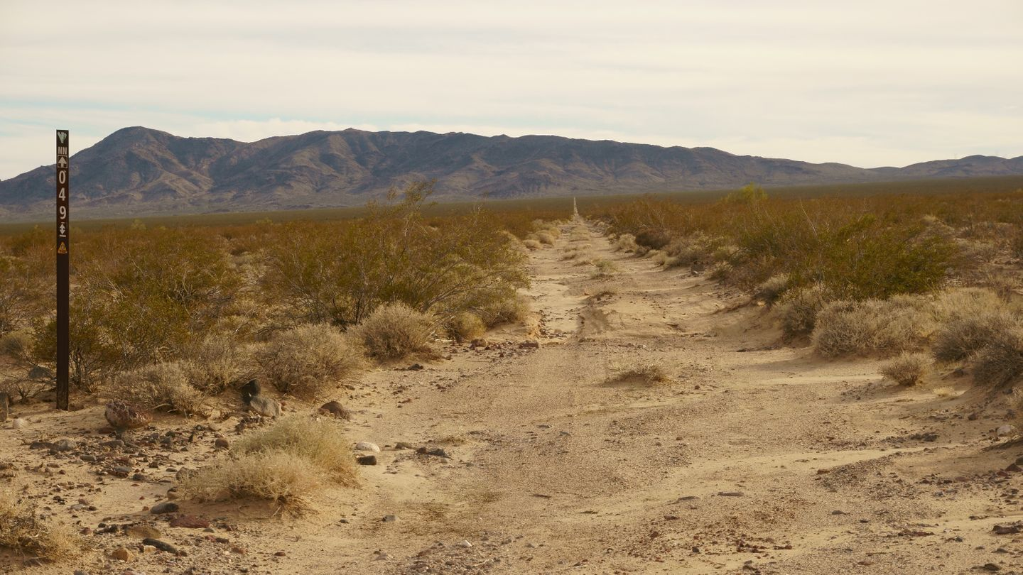 Mojave Road - Waypoint 19: NN 049 Intersection