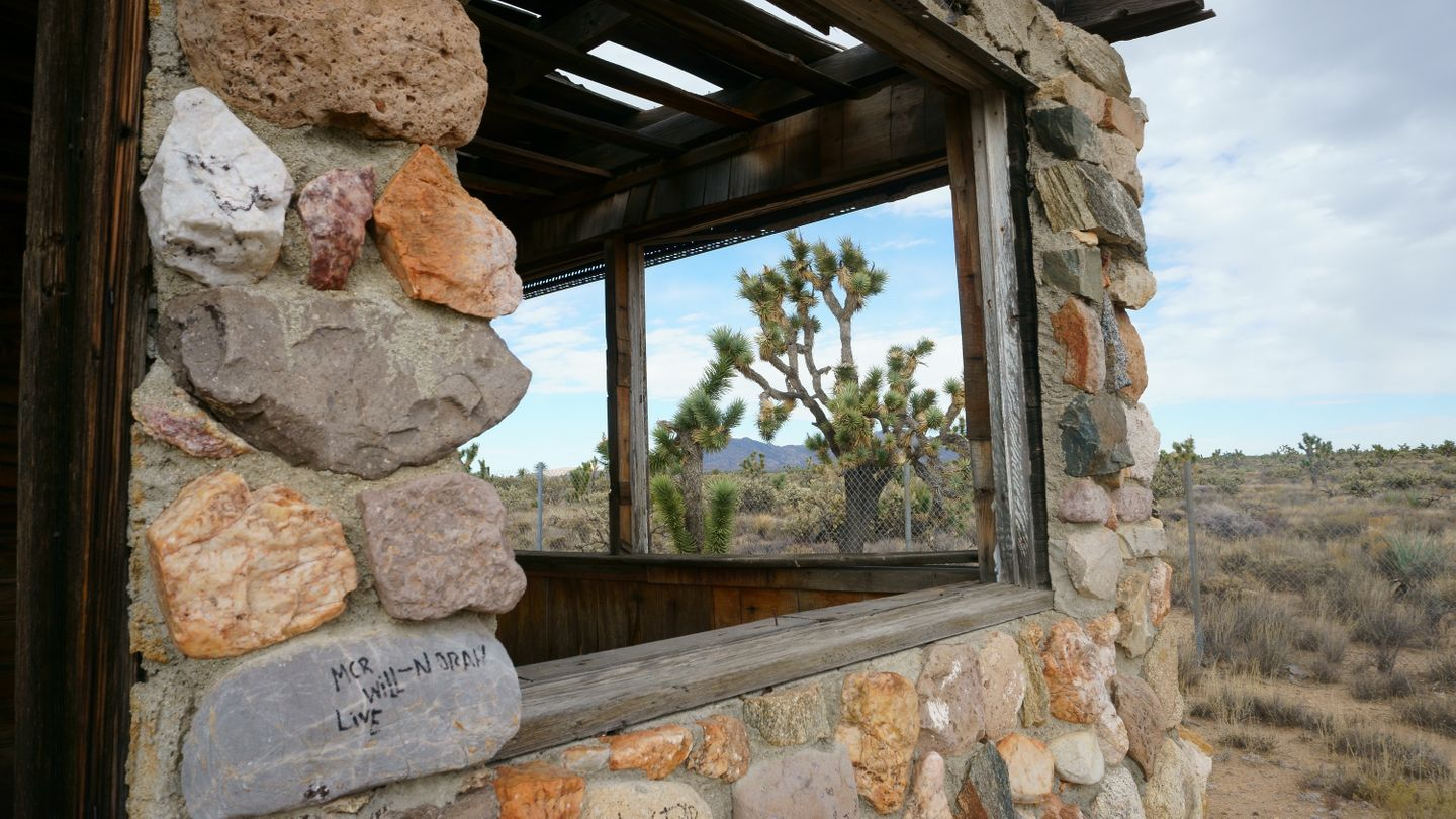 Mojave Road - Waypoint 36: Old Building