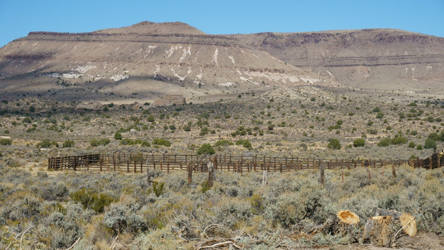 Mojave Road - Waypoint 46: Government Holes