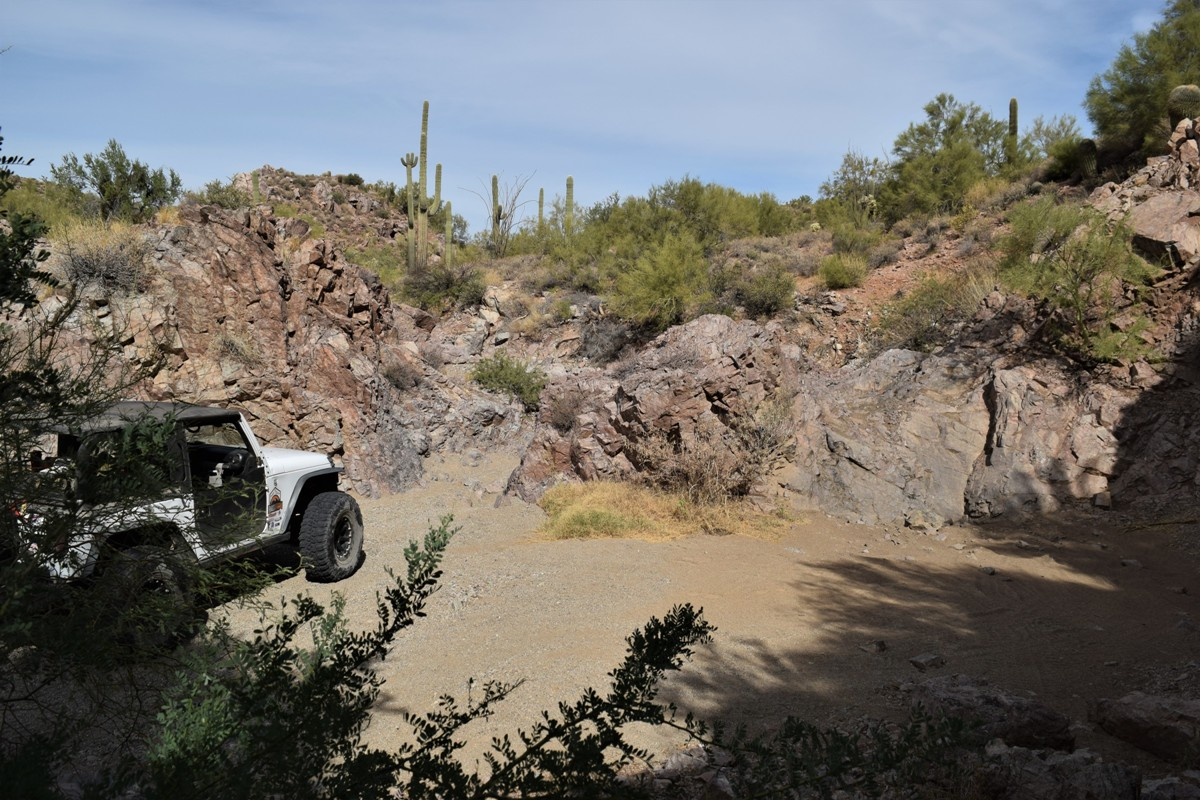 Elvis Trail - Waypoint 6: Squeeze / Waterfall 4