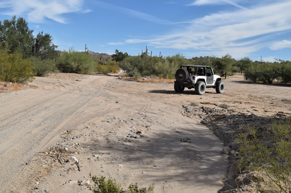 Elvis Trail - Waypoint 1: Trailhead / Corral
