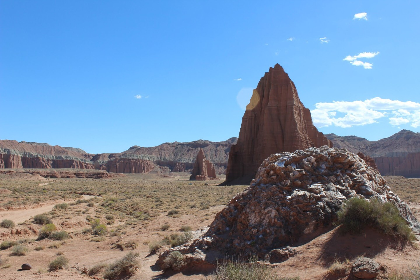 Trail Review: Cathedral Valley Loop