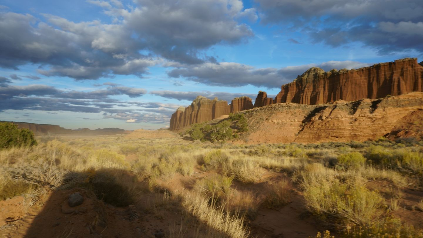 Cathedral Valley Loop - Waypoint 14: Scenic