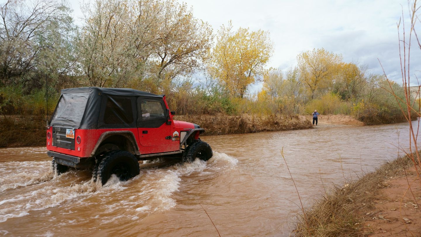 Cathedral Valley Loop - Waypoint 2: Fremont River Crossing