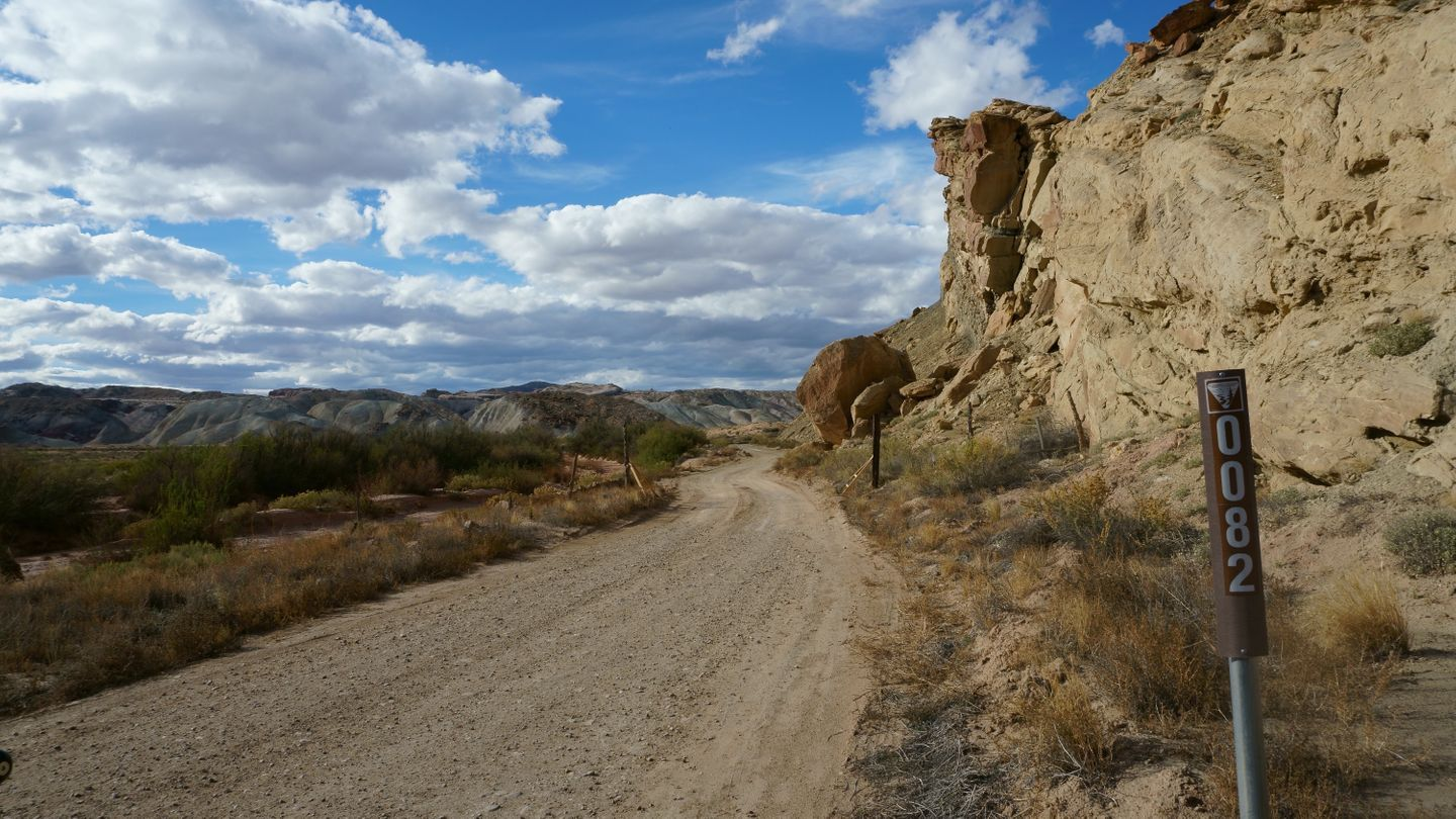 Cathedral Valley Loop - Waypoint 30: Caineville/Eastern Trailhead