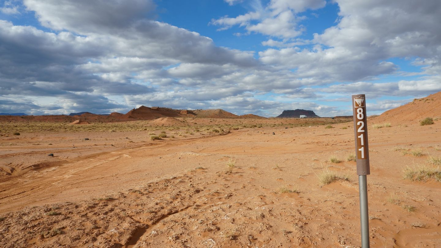 Cathedral Valley Loop - Waypoint 24: Intersection - 8211
