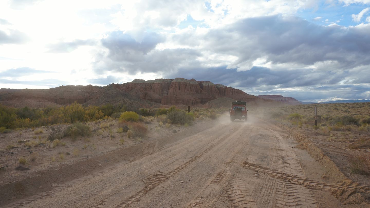 Cathedral Valley Loop - Waypoint 19: Intersection - 8212