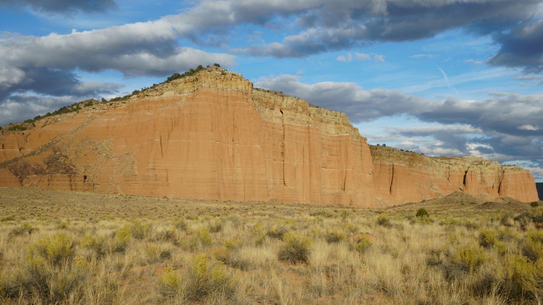 Cathedral Valley Loop - Waypoint 16: Spur - Gypsum Sinkhole