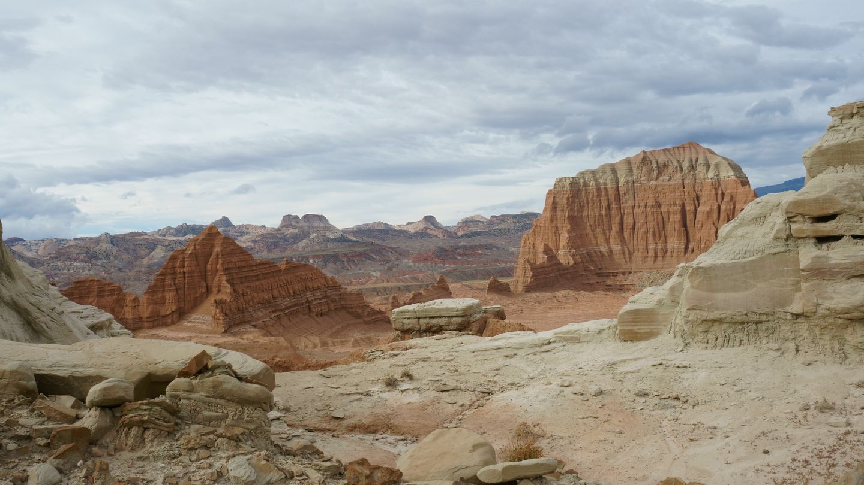 Cathedral Valley Loop - Waypoint 8: Lower Desert Valley Overlook